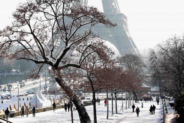 1416001192_parizh-v-dekabre