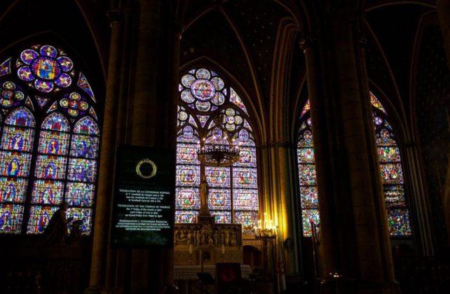 Собор Парижской Богоматери витражи