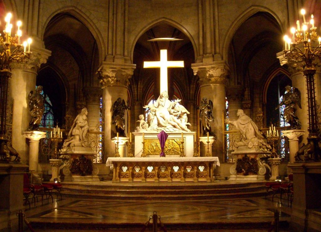 Картинки по запросу собор парижской богоматери внутри