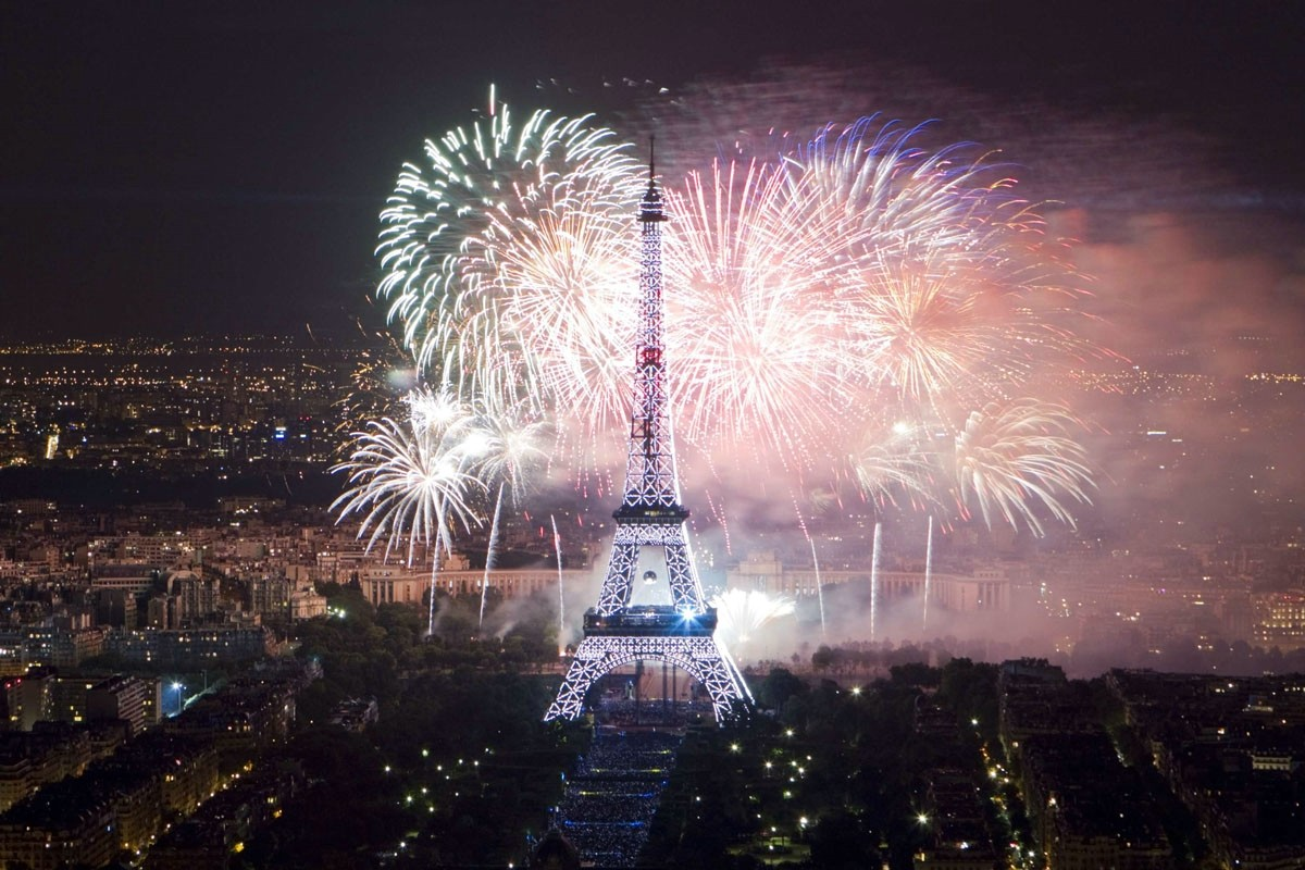 new-year-paris
