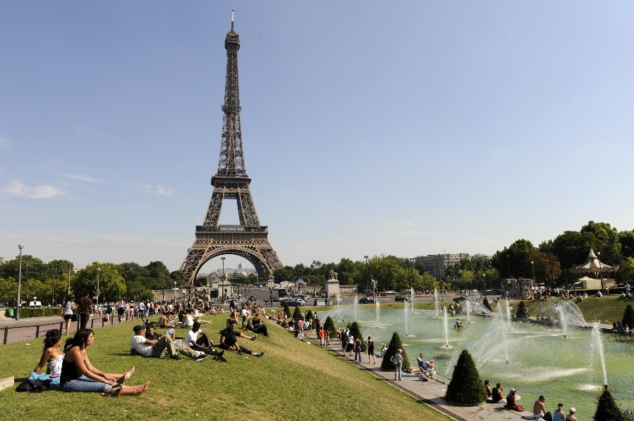 Париж Август
