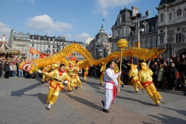 Китайский новый год в январе в париже