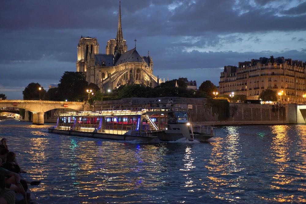 Ночная экскурсия по Сене