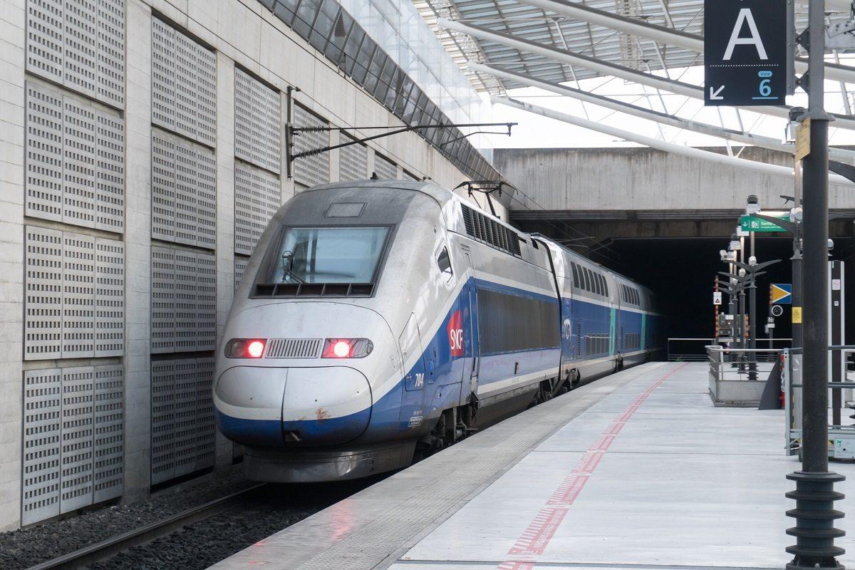 Поезд TGV из Шарль-де-Голль