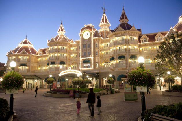 Отель Диснейленд