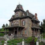 Дом ужасов в Диснейленде