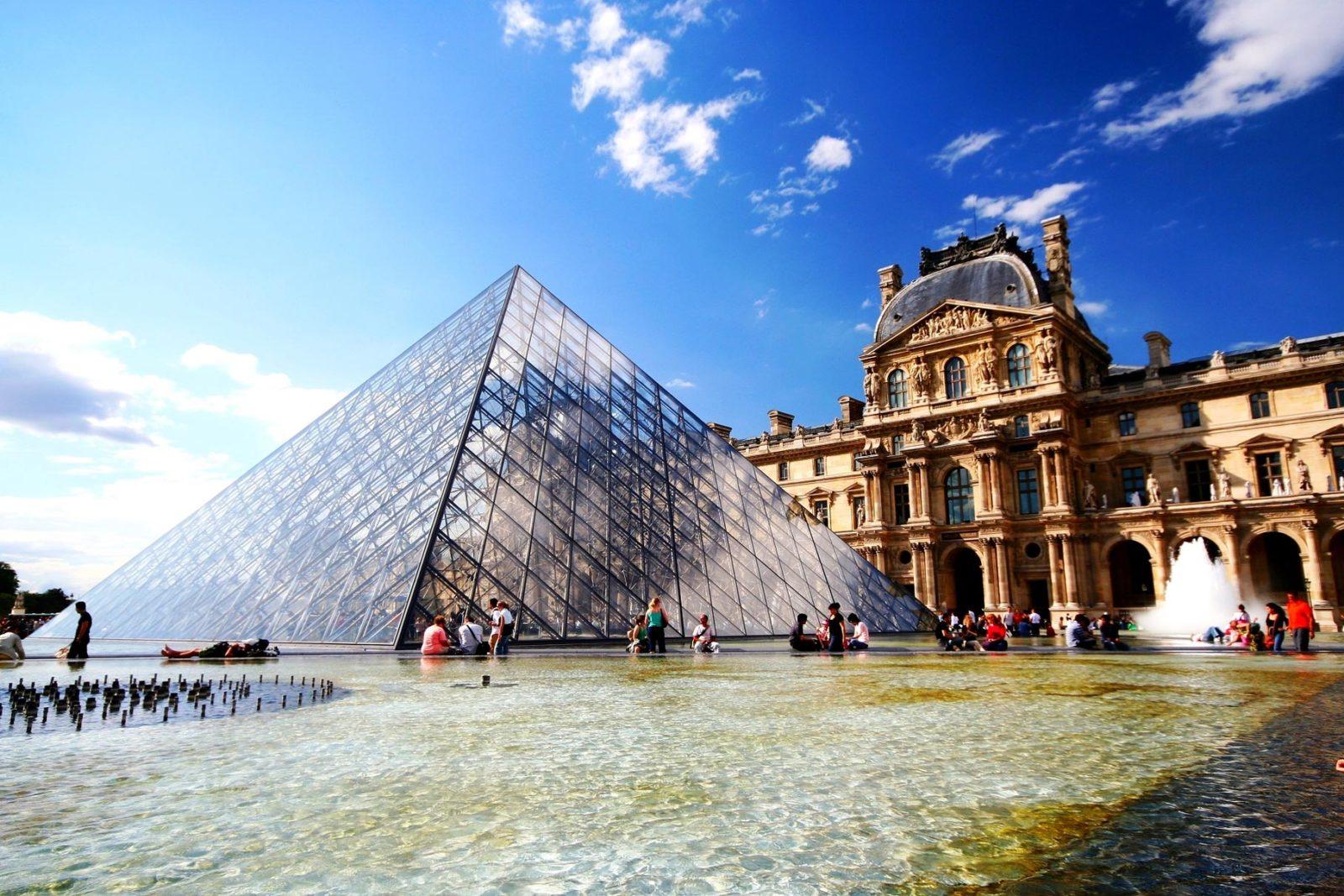 Автобусная экскурсия и музей Лувр