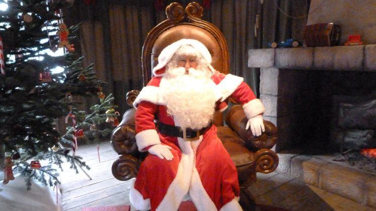 Санта Клаус в Диснейленде