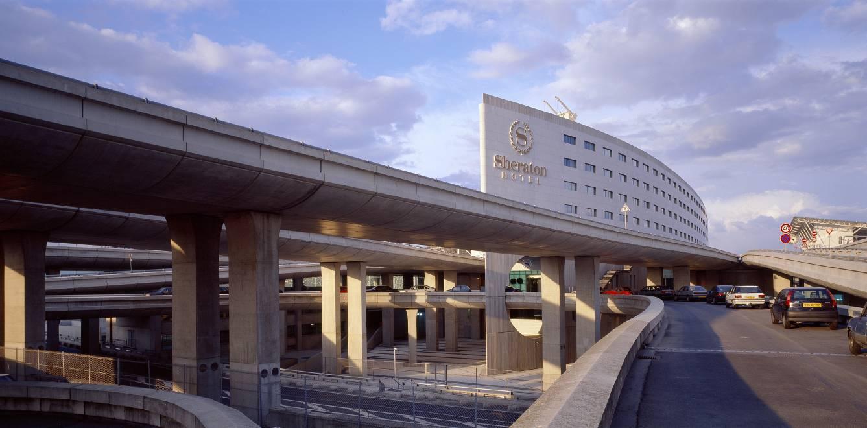 Железнодорожный вокзал в аэропорту Шарль-де-Голль