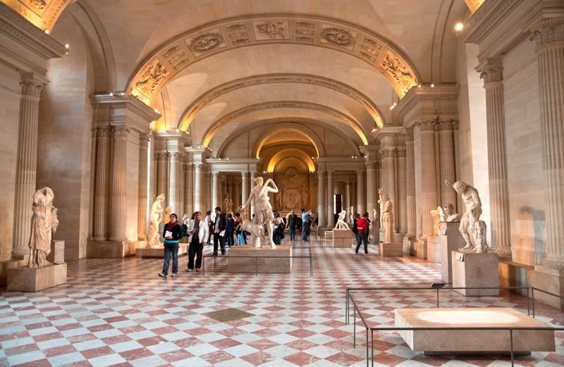 Художественные залы Лувра