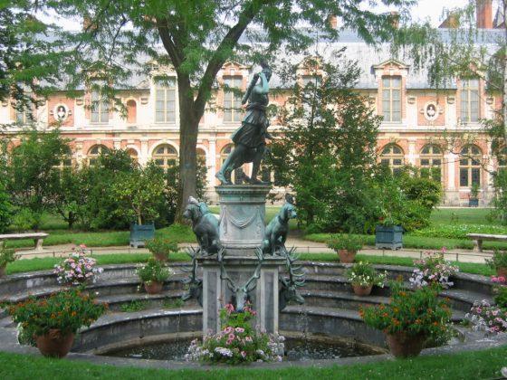 Сад Дианы в Замке Фонтенбло