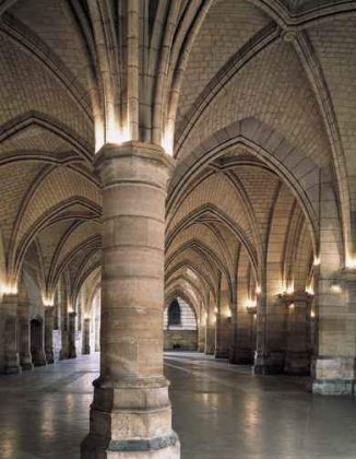 Дворец Правосудия внутри
