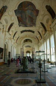 Малый Дворец внутри (фото)