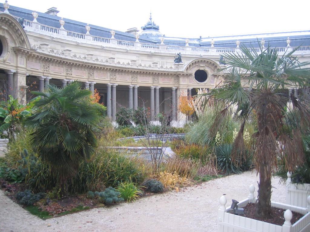 Дворик Малого Дворца