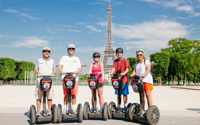 Велосипед и сигвей в Париже