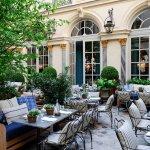 Где пообедать в 8 округе Парижа?