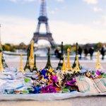Какие сувениры привезти из Парижа?
