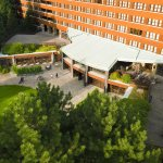 Отель Disney's Sequoia Lodge