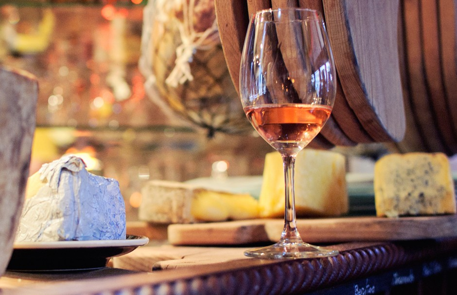 Вино из Парижа