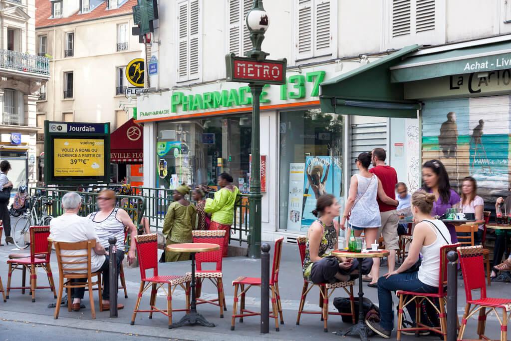 Пообедать в кафе Парижа!