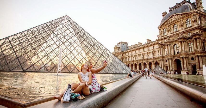 Как зайти в Лувр без очереди?