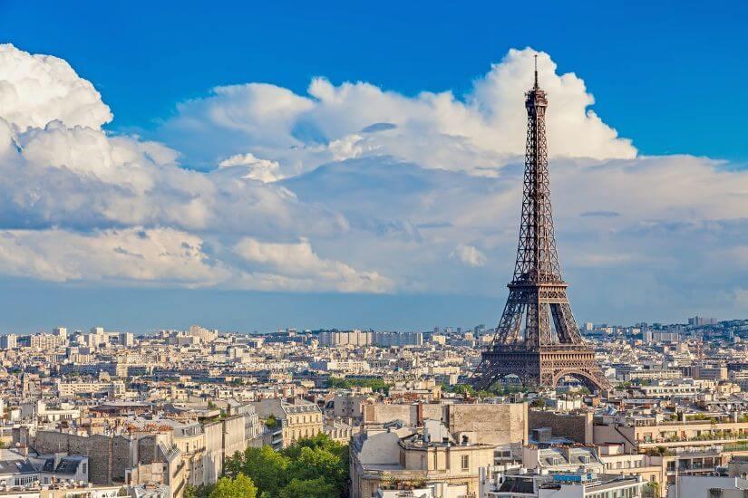 Высокие точки Парижа с видом на Эйфелеву башню