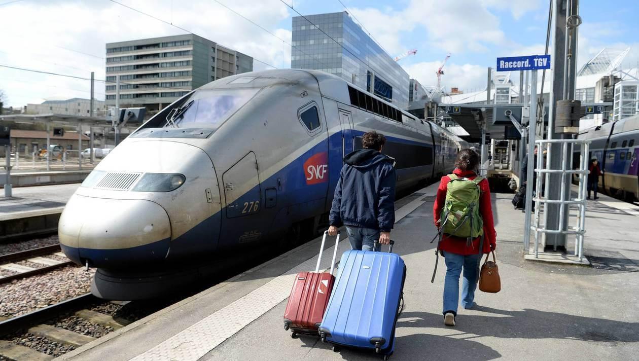 Поезд SNCF из Парижа в Версаль