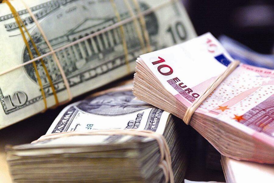 Обмен валюты в Париже