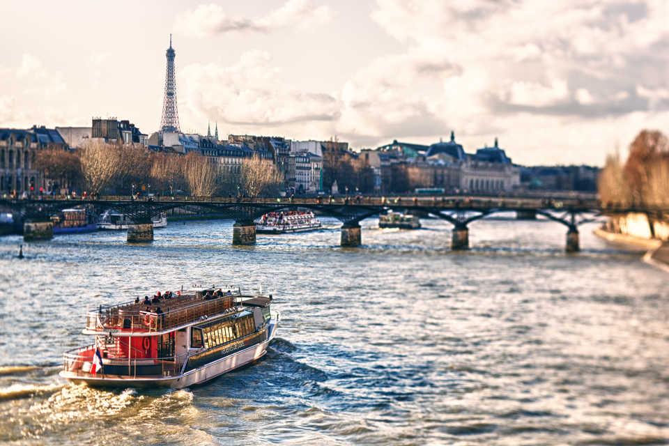 Сколько стоит прогулка по Сене в Париже
