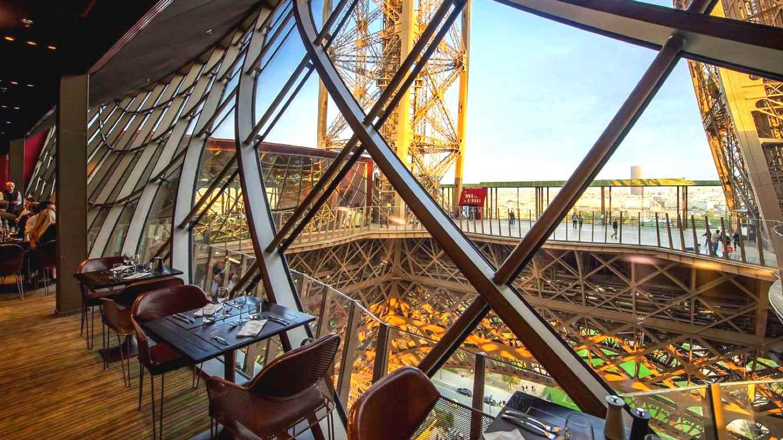 Обед и ужин на Эйфелевой башне