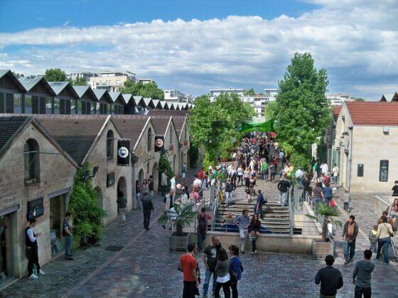 Деревня Берси в Париже